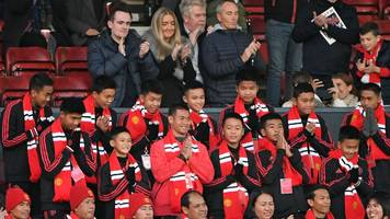 thai cave boys watch man utd win
