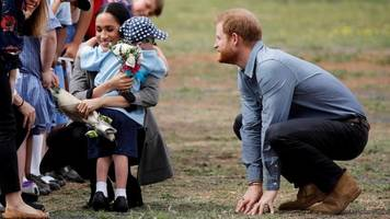 Royal tour wrap-up: Lots of flowers, cheering and baby gifts