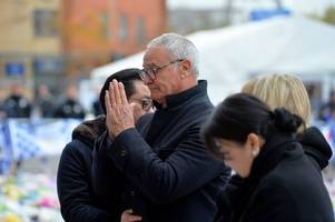 claudio ranieri prays in emotional moment at king power stadium after leicester helicopter crash