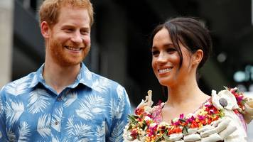 meghan and harry: lots of flowers, cheering and baby gifts