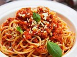 italian vegan threatened to knife her mother to death for cooking bolognese sauce with meat in