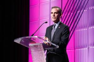 la mayor eric garcetti issues challenge on gender equity: 'just look, just measure and just act'