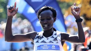 new york marathon: mary keitany reclaims women's title as lelisa desisa wins men's race