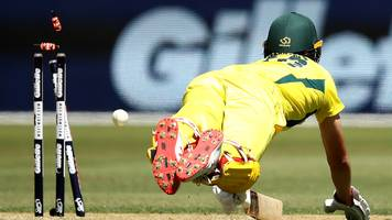 australia thrashed by south africa to lose record seventh consecutive odi