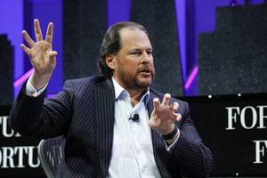 salesforce ceo marc benioff got into a twitter beef with another exec over a controversial measure tackling san francisco's homelessness crisis (crm)
