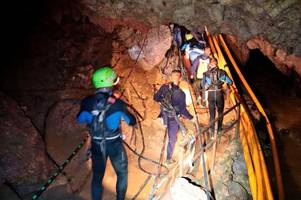 how trapped thailand cave schoolboys and football coach were rescued