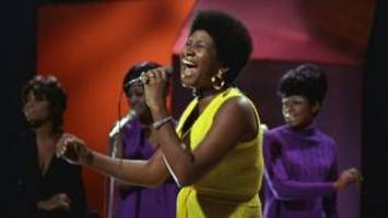 aretha franklin: amazing grace gospel film to premiere after 46 years