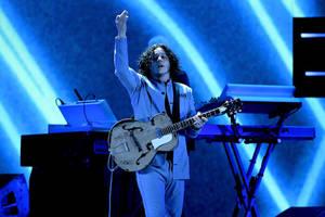 jack white 'disappointed' after two women stopped from kissing at edmonton concert