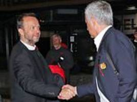 Jose Mourinho shakes hands with Man United chief Ed Woodward after Champions League win at Juventus