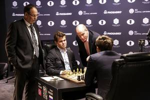 an american finally has a shot at winning the world chess championship for the first time since bobby fischer in 1972