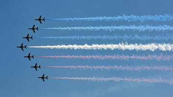 mp calls for red arrows to move to raf leeming