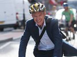 Keen cyclist Jeremy Vine calls for Radio 2 to rename Drivetime