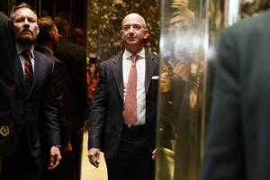 amazon and microsoft are fighting for a $10 billion pentagon contract — and hq2 in virginia could be jeff bezos' boss move (amzn, msft)