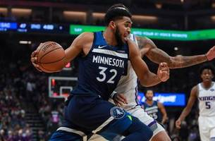 Towns scores season-high 39 points in Wolves' loss to Kings