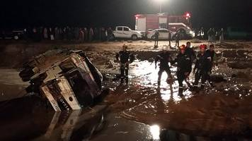 Jordan flash floods: Seven killed and tourists evacuated from Petra