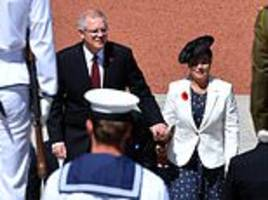 Australians gather to commemorate Remembrance Day, one hundred years on from end of the great war
