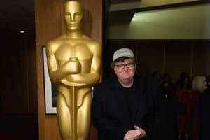 michael moore finally finishes his 'bowling for columbine' oscar speech 15 years later