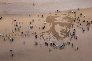 scottish beaches transformed for incredible remembrance day tribute to fallen soldiers