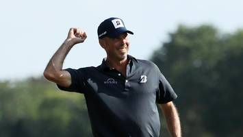 matt kuchar, lee westwood get first win since same day four years ago