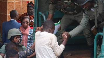 Cameroon school kidnap: Final four hostages freed in Bamenda