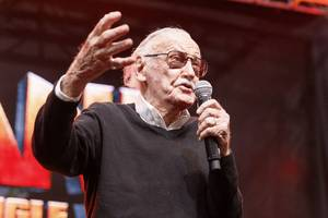all of the stan lee cameos from marvel movies, and why we love them
