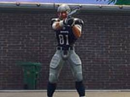 fortnite gamers use nfl skins to bring murderer aaron hernandez back to life to kill other players