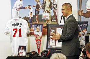 twins greats, former teammates on hand for mauer's farewell