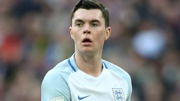 michael keane: everton defender says he did not want to leave house last season