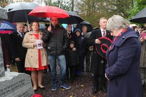 wishaw residents come together to commemorate war sacrifice