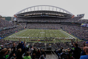 packers vs. seahawks betting preview: is seahawks' home-field advantage overrated?