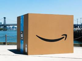 amazon has a no-fee credit card that prime members should strongly consider opening — if only for the 5% cash back on all their amazon and whole foods purchases