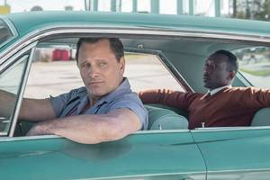 'green book' film review: viggo mortensen and mahershala ali take a perilous road trip through the deep south