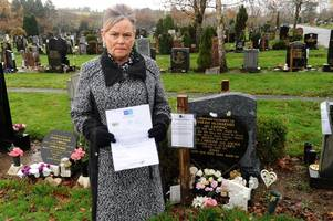grieving east kilbride daughter blasts council over grave mistake as letter is sent to dad 14 years dead