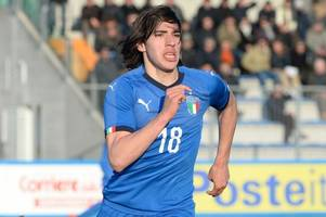 Italian wonderkid linked with Chelsea hints at move to AC Milan