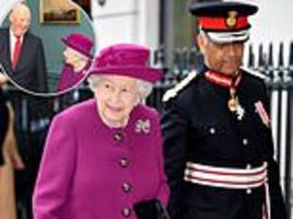 queen accompanies party guest king harald v to an anglo-norse society reception