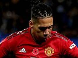 everton keen to sign manchester united defender chris smalling on free transfer
