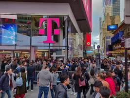 a $580 phone from a small smartphone maker that competes against apple and samsung phones has been selling out at around 50% of t-mobile stores nationwide