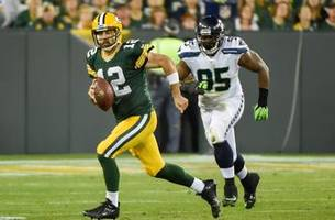 Packers square off against Seahawks with playoff positioning on line