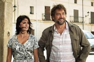 penélope cruz and javier bardem are under pressure in tense 'everybody knows' english trailer (video)
