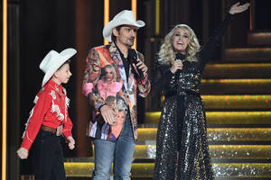 ratings: cma awards crumble 34 percent from 2017 to new low