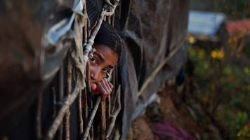 Rohingya return to Myanmar: Confusion and fear in refugee camps