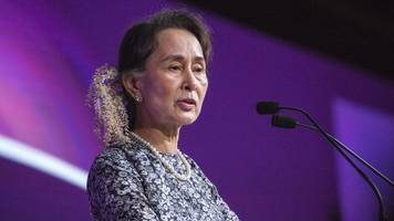 Vice President Pence Confronts Myanmar's Leader About Rohingya Crisis