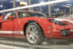 this 2005 ford gt was never titled, and it's now for sale