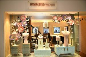 launch of pratharv jewels new showroom on completion of 15 years by pooja vaswani