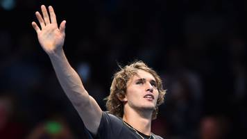 ATP Finals: Alexander Zverev beats John Isner to set up Roger Federer semi-final