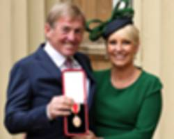 kenny dalglish & knighthood: why do liverpool fans insist on calling him 'king' and not 'sir'?