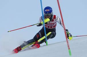 Shiffrin leads Olympic champ Hansdotter in World Cup slalom