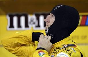 kyle busch leads title contenders in qualifying for finale