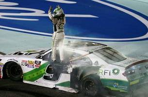 tyler reddick wins the 2018 nascar xfinity series title, then destroys his car with a burnout