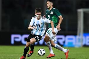 gallery: juan foyth suffers facial injury and wins man of the match as erik lamela comes on late